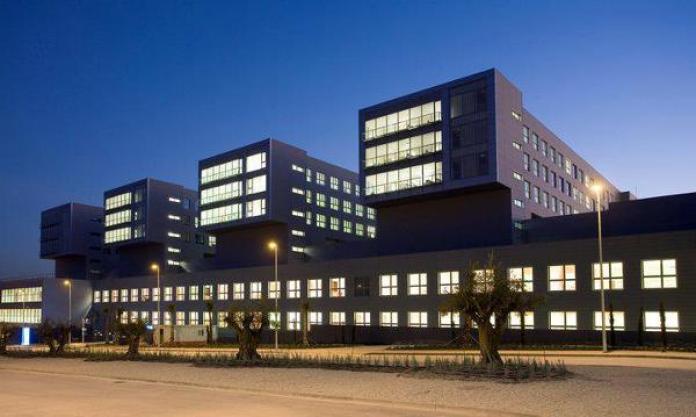 Una de las torres del Hospital Infanta Sofía está cerrada y sin utilizar desde que se inauguró