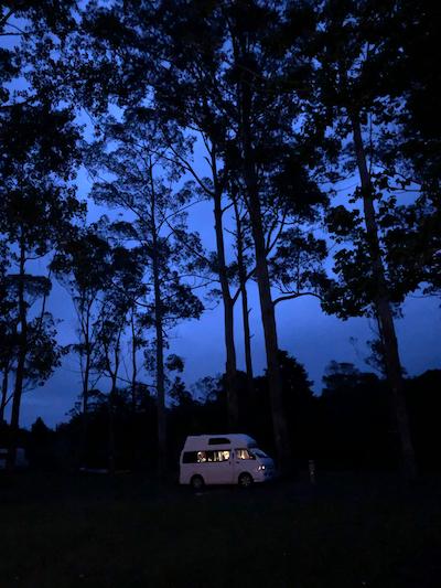 Camping TOP 10 Bay of  Islands Holiday Park, junto al río Waitangi