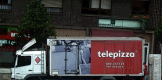 Camión de Telepizza