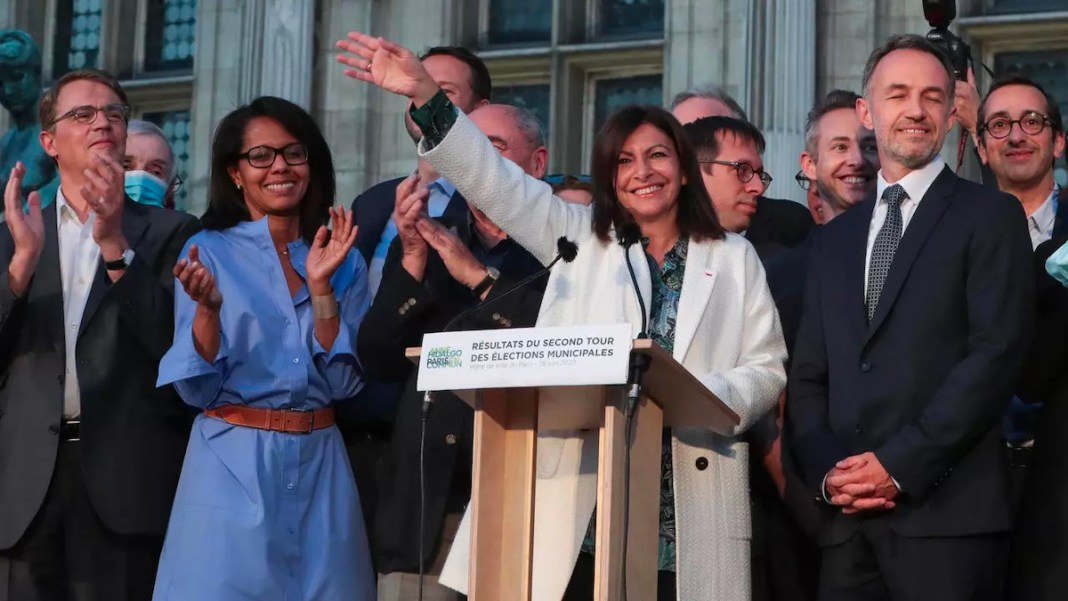 Anne Hidalgo renueva mandato en la alcaldia de París en alianza con los ecologistas. 28JUN2020