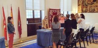 La concejala de Maas Madrid Maysoun Douas oficia una boda entre dos mujeres. 19SEP2020