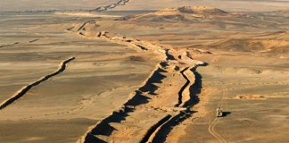Muro construido por Marruecos en el Sáhara ocupado