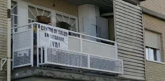 Pancartas de los vecinos reclaman un Centro de Salud en Butarque