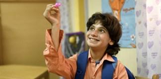 UNICEF/ Rehab El-Dalil: Mahmoud, un niño con autismo, participa en una actividad con letras en Egipto.