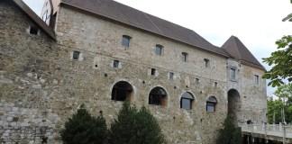 Eslovenia Lubliana castillo entrada
