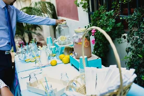 Montaje mesa de bebidas