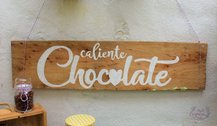 Cartel de madera chocolate caliente