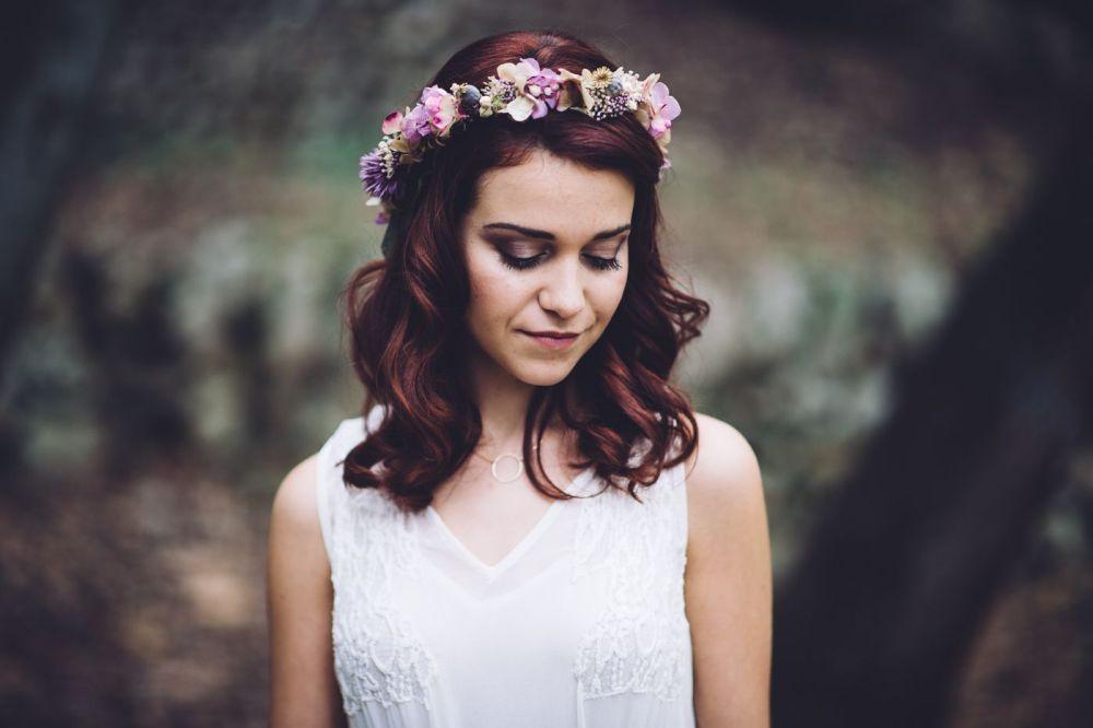 Novias con coronas de flores