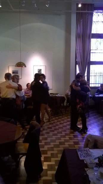 ocho adelante tango porto alegre