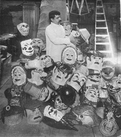 Fabricante de caretas, 1910.