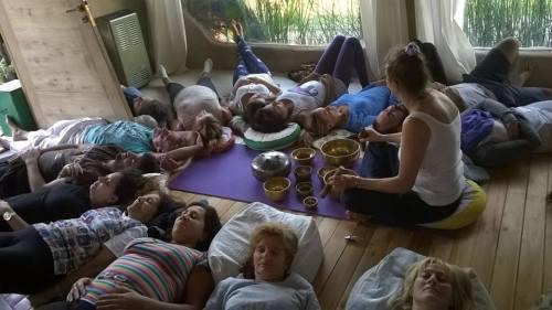 meditacão com cuencos