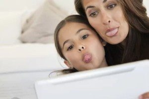 نشر صور لاطفالك على مواقع التواصل الجتماعي يعرضك نفس للمسائلة القانونيه