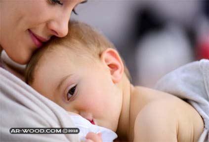 تفسير حلم امراة ترضع طفل ليس ابنها