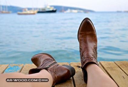 تفسير حلم خلع الحذاء والمشي حافيا