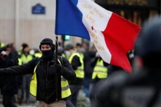 البرلمان العربي يدعو السُلطات الفرنسية إلى ضبط النفس