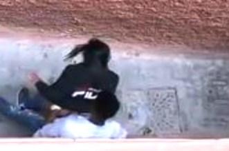 فيديو لتلميذ يمارس الجنس مع صديقته بأحد أحياء مراكش يشعل الفايسبوك