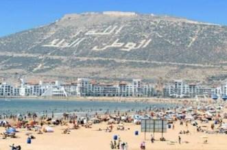 المغاربة يتصدرون قائمة السياح الوافدين على أكادير