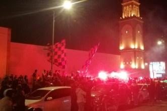 قبل مواجهة الوداد.. جماهير جزائرية تلهب مدينة كازا -فيديو