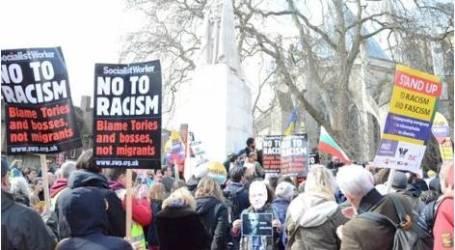 نشطاء أستراليون يواجهون مظاهرة عنصرية ضد الإسلام