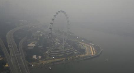 إندونيسيا  تسعى لإقناع سينغافورة في قضية الضباب الدخانى