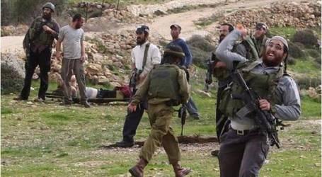 مستوطنون إسرائيليون يحرقون أراض فلسطينية شمالي الضفة الغربية المحتلة