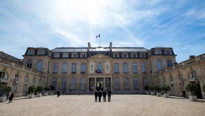 فرنسا تراجع قانون 1905 المتعلق بالديانة الإسلامية