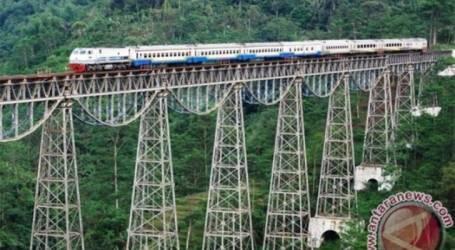 جاوة الغربية تشجع جولتها التاريخية بالسكك الحديدية لتعزيز السياحية الأجنبية