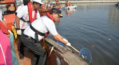 الوزير: تلتزم وزارة النقل بإزالة الأنقاض من البحر