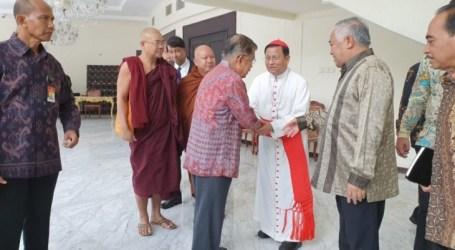 نائب الرئيس يرحب بشخصيات دينية من ميانمار
