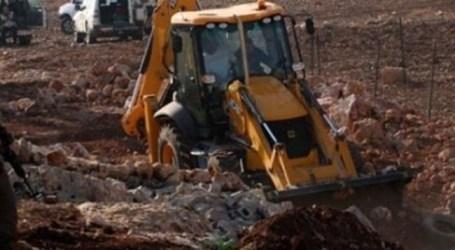 الاحتلال يشن حملة تجريف واقتلاع أشجار مثمرة للمواطنين في الضفة