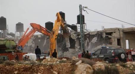 الجيش الإسرائيلي يهدم بناية سكنية شمالي القدس
