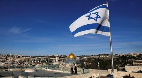 مستوطنون يعطبون إطارات مركبات فلسطينية قرب القدس