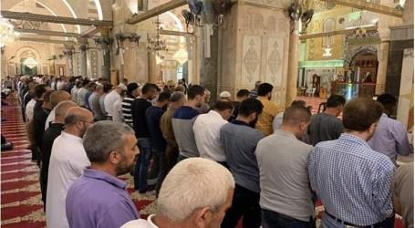 بحجة كورونا..الاحتلال يمنع المقدسيين من الصلاة داخل الاقصى ويهددهم بفرض غرامات مالية