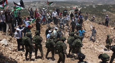 إصابة العشرات إثر تفريق الجيش الإسرائيلي مسيرات بالضفة