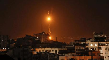 """الجيش الإسرائيلي يقصف مواقع لـ""""حماس"""" بقطاع غزة"""
