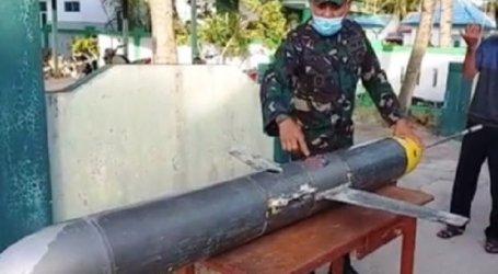 صياد إندونيسي يصطاد غواصة صينية مسيّرة