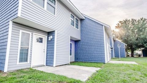 Photo Of 121 River Bluff Rd Greenville Nc 27858 Apartment For