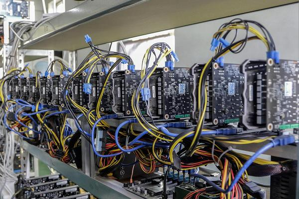 مشروع احتيالي في عالم تعدين العملات الرقمية يكبد مستثمرين 239 مليون دولار