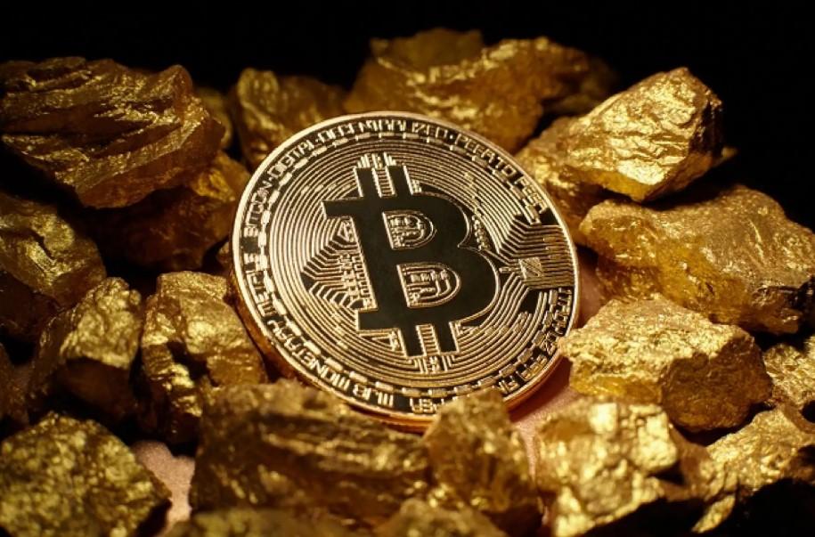 سعر البيتكوين يتفوق على سعر الذهب بنسبة 100 % هذا العام