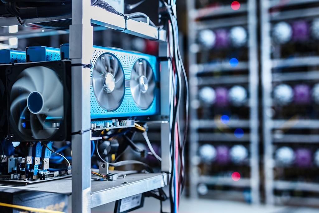 دليل كامل حول كيفية تعدين البيتكوين وما يحتاجه من معدات وبرامج