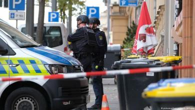 Photo of ألمانيا: اطلاق نار امام المعبد اليهودي اسفر عن قتيلين والكشف عن هوية الجاني