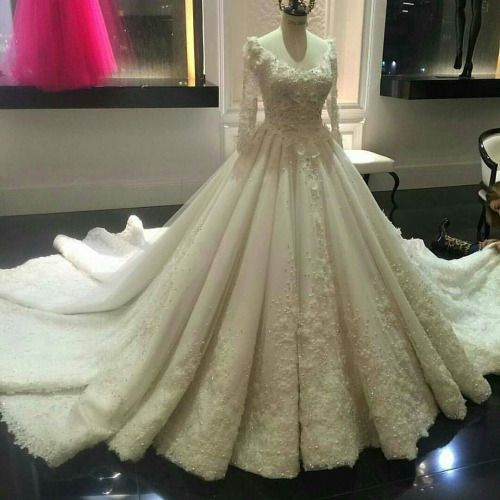 فساتين زفاف اوف وايت