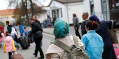 أعداد السوريين المقيمين في ألمانيا و عدد الذين غادروها و عدد الذين حصلوا على الجنسية