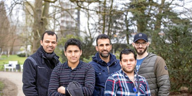 لاجئون سوريون يقدمون المساعدة لمدينةٍ ألمانية للخروج من أزمة كورونا