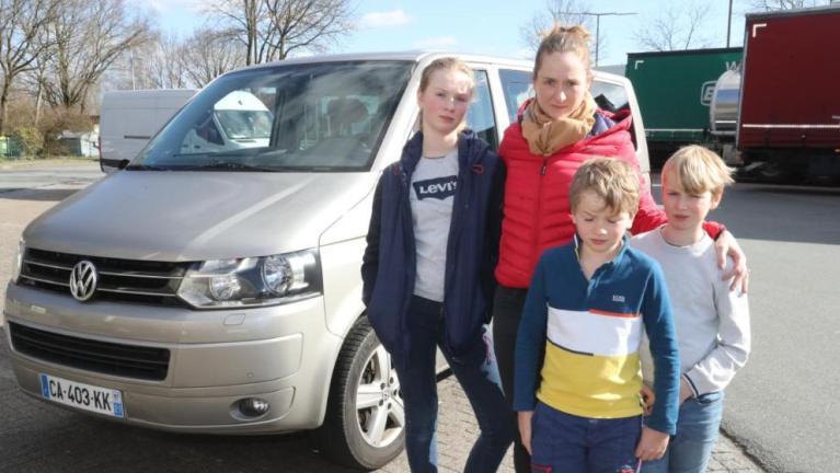 إجبار ألمانية وأطفالها الثلاثة على مغادرة بلدها بسبب فيروس كورونا