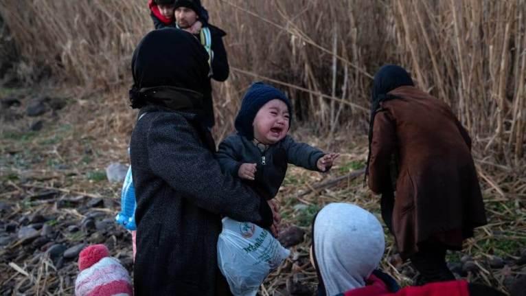 فيديو فاضح يكشفُ حقيقة الحكومة التركية في مسألة نقل اللاجئين