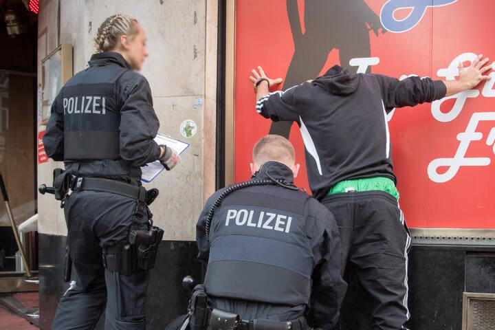 تأهب أمني للشرطة الألمانية بعد إطلاق نار في مدينة ألمانية