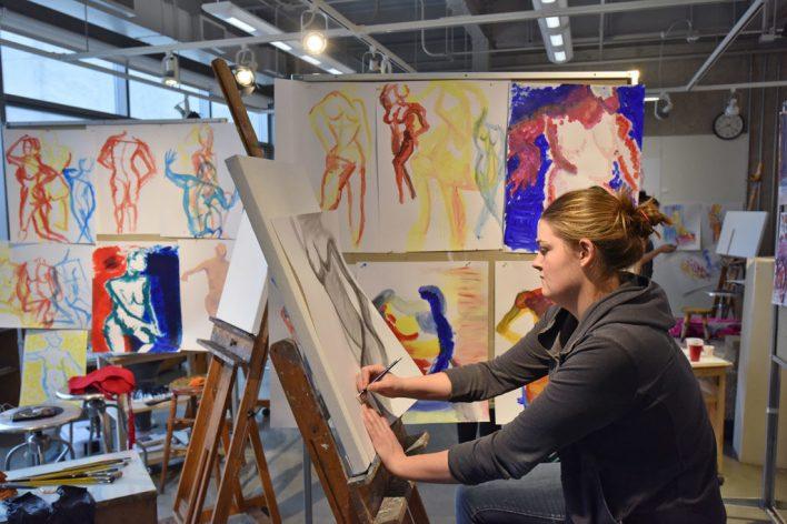 أسهل التخصصات الجامعية : الرسم والفنون الجميلة