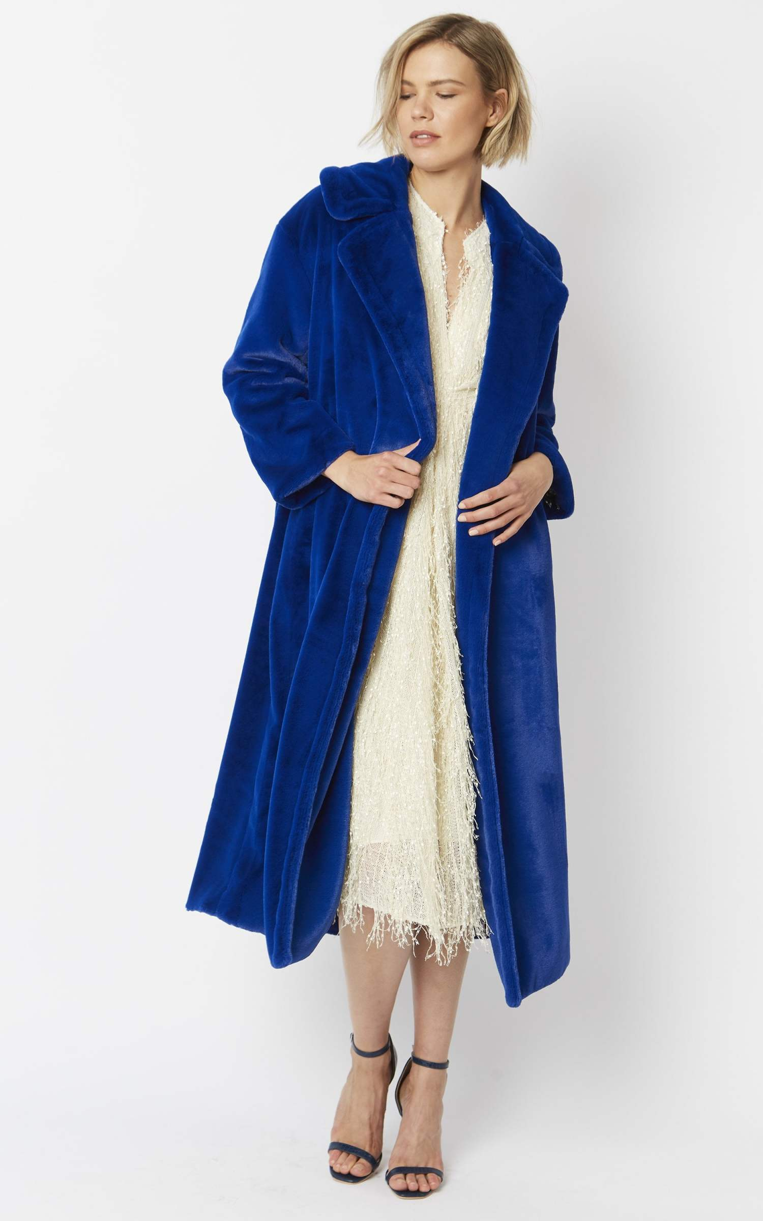 faux-fur-maxi-coat-p1696-29425_zoom