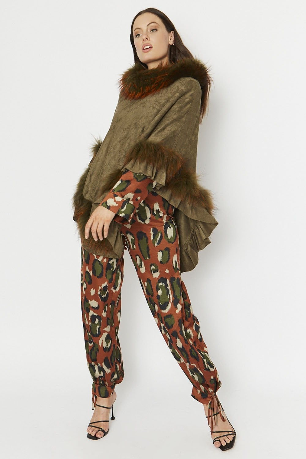 fox-fur-and-faux-suede-poncho-p679-39305_image